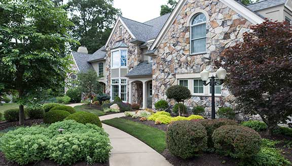 Pittsburgh landscaping_Modern residential landscape design