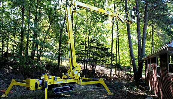 Artistic Tree & Landscape Creations Pittsburgh tree services_Spider Lift advanced equipment, fully-insured residential and commercial tree services