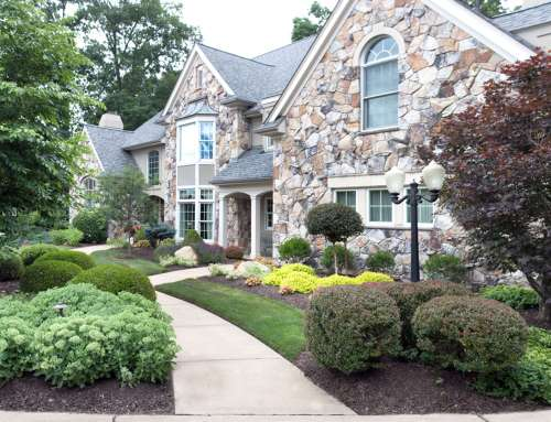 The Right Curb Appeal Can Turn A Homebuyer's Glimpse Into A Gaze